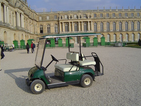 Electric car in Domain of Versailles