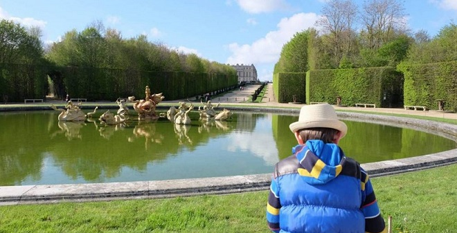 Visit Palace of Versailles with kids